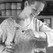 Jacqueline-Jimmink-handgraveur-bij-Goeters-Texel
