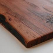 Volg de natuurlijke lijn van het hout