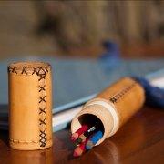 Koker-voor-pennen-leer-handgemaakt-leerbewerker-Goeters