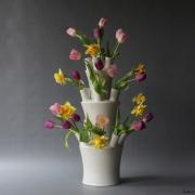 Tulpenvaas of boeketvaas in drie delen van Floortje Roetemeijer bij Goeters