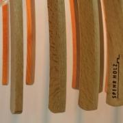 Detail van Hanger lamp rond beuken kleerhangers Goeters