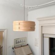 Hanglamp-van-hout-in-Esdoorn-Goeters-