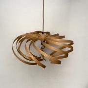 Hanglamp-Krul-no-3-van-gebogen-rood-eiken-rustige-bolvorm-Goeters