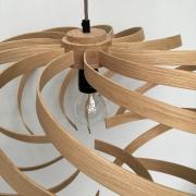 LAmp-Krul-handgemaakt-in-Nederland-van-stoomgebogen-massief-hout-eiken-of-noten-Goeters