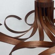 Lamp-Krul-no2.-elk-notenhoutje-met-handgebopgen-Goeters
