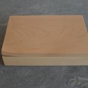 houten-doosje-met-oor-van-esdoorn-hout