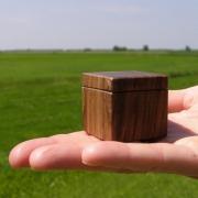 klein-massief-houten-handgemaakt-doosje