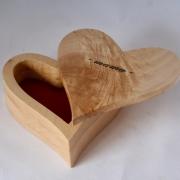 Gedenkkistje-handgemaakt-hout-hart-Goeters
