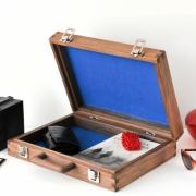 Houten koffer compacte maat met hippe vilt binnenkant Goeters