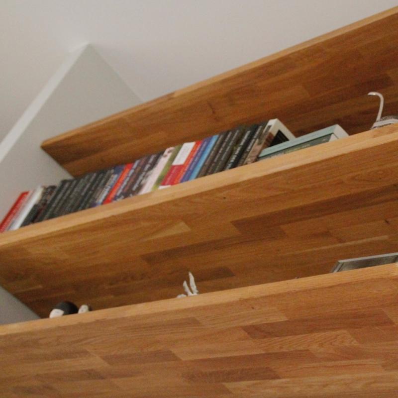 Zwevende Plank Hout.Nbouwkast Met Zwevende Planken Buroblad En Dressoir