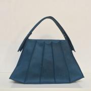 Joaney Korevaar ontwerper van tassen schoenen en leren accessoires Goeters