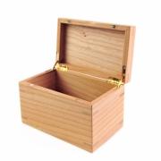 Kistje met quadrant scharnieren en magneetsluiting in kersenhout Goeters