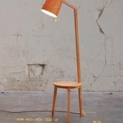Lees Lamp Tafel tafel en lamp in een Goeters