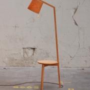 Leeslamp met tafeltje in een Goeters