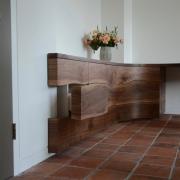 Inbouwkast op maat live edge met laden en deurtjes Goeters