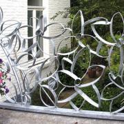 Balkonhek-ballustrade-bloemen-metaal-Goeters