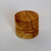 Klein-rond-ringendoos-van-hout-met-de-hand-gemaakt-Goeters-