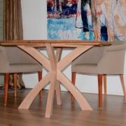 Ranke ronde tafel met kruispoot Goeters