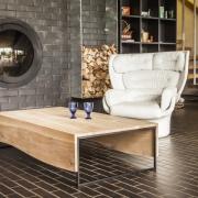 boleform-eiken-salontafel-met-metalen-frame