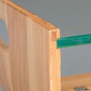Detaillering en rijke materialen in salontafel gebogen hout bij Goeters