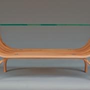 Salontafel gebogen iepenhout van Theo Ruigrok