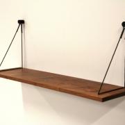 Hangplank sling slank in noten 20 cm diep