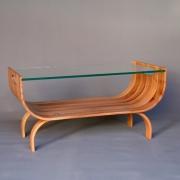 Salontafel van massief gebogen hout Goeters