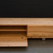 TV meubel van massief hout ca. 3cm dik Goeters