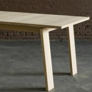tafelblad-met-houtlijnenen-over-de-breedte
